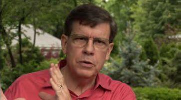 エド・ディーナー博士 イリノイ大学心理学教授。ドクター・ハピネスとして知られ、アメリカで幸福度について35年間以上研究。