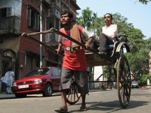Manoj Singh pulls rickshaw